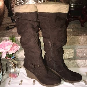 Unisa brown sweater cuff slouch boots size 8